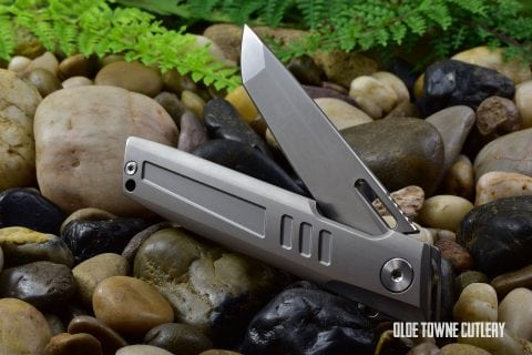 D Rocket Squared - Shark - Silver Titanium SECOND