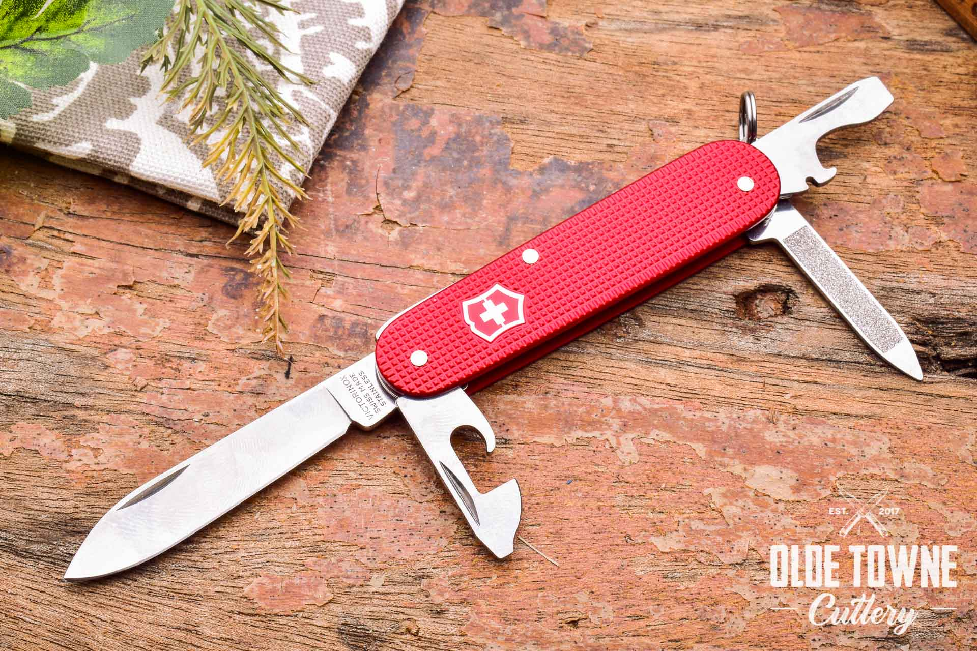Victorinox Vn08201l18 Pioneer Alox Berry Red Le 2018