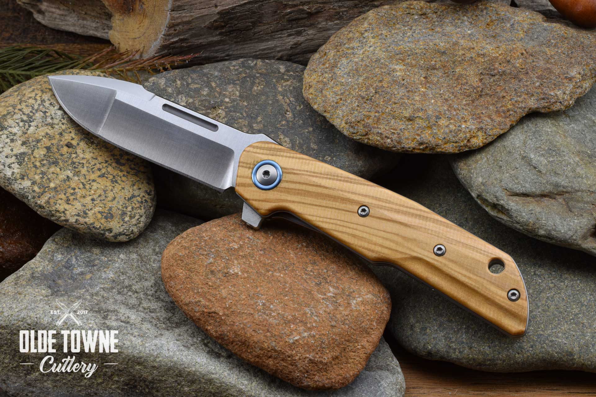 Maniago Knife Makers/Lion Steel CLAP Linerlock Olivewood