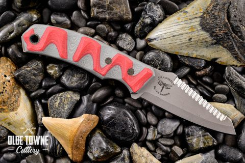 The Dark Water Knife Grey/Red